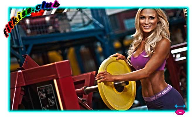 Красивая спортивная женская фигура