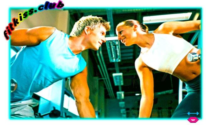 девушка и парень познакомились в спортзале